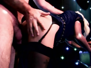 Elegant super star want to show how good is in blowjob in a club
