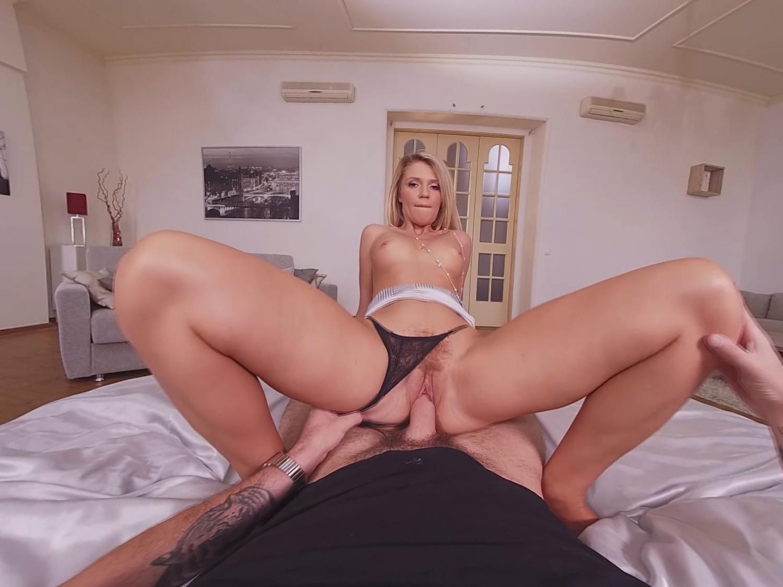 Mary Kalisy ist deine sexy VR-Freundin, die deinen Schwanz reitet