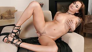 SexBabesVR - 180 VR Porn - Ginger Beauty Michaela Isizzu