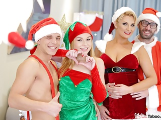 Download video bokep VirtualTaboo.com Family Christmas turns into sex party Mp4 terbaru