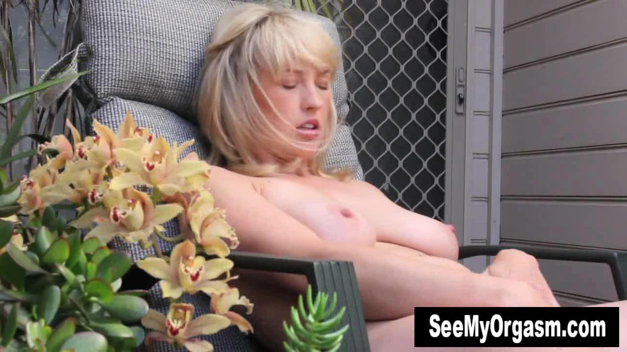 Blonde anneka masturbating outdoors