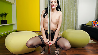 SexBabesVR - 180 VR Porn - Pole Dancer  with Lee Ann