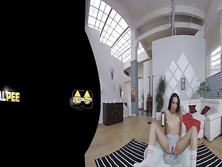 Amanda Estela is caught peeing her pants in virtual reality