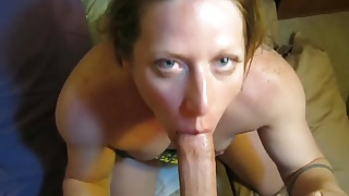 This beauty can deepthroat