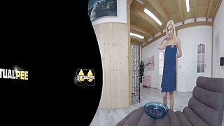 Blonde MILF covers herself in piss - VR Porn