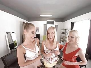 Download video bokep VirtualRealPorn.com - Bachelorette party Mp4 terbaru
