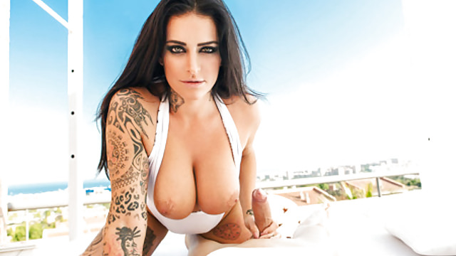 Kareena nude neked fuck suck photo