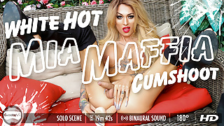 Grooby VR - Mia Maffia's White Hot Cumshoot