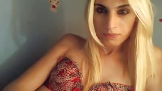 Blonde trans beauty webcam