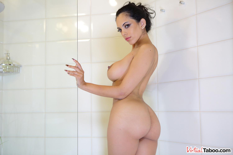 VirtualTaboo.com Curvy Katrina sexy quer que você se juntar a ela no chuveiro