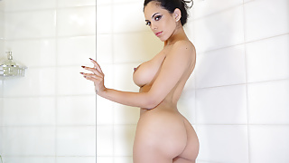 VirtualTaboo.com Sexy curvy Katrina wants you to join her in shower