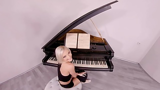 From her ass to mouth - 18vr.com blonde babe zazie skymm loves from ass to mouth