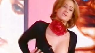 Nipple slip video