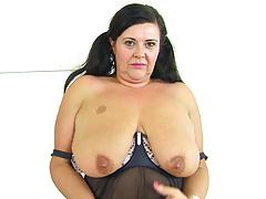 British milf Katie Coquard puts her sex toy to work