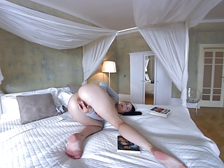 Download video bokep TmwVRnet.com - Crystal Greenvelle - Sexy Crystal goes solo Mp4 terbaru