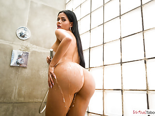 VIRTUAL TABOO - Taking shower with booty and busty sister Canela Skin