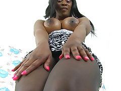 British milf bounty pleasures her pink and pantyhosed pussy Thumbnail